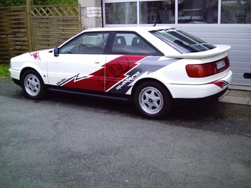 Audi_quattro_weiss_Sport.jpg